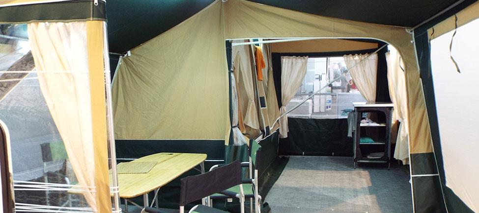 Remolque camping Kenya interior