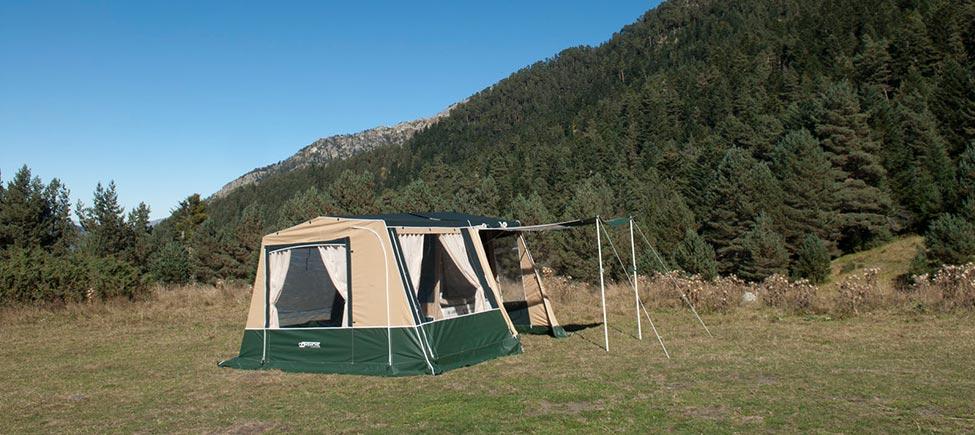 Remolque camping McCamp con avancé y toldo