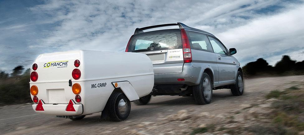 Remolque camping McCamp con coche